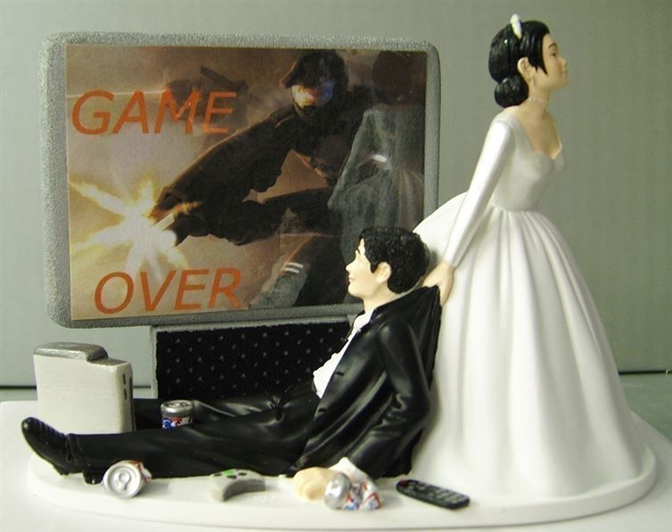 figurine gateau mariage game over