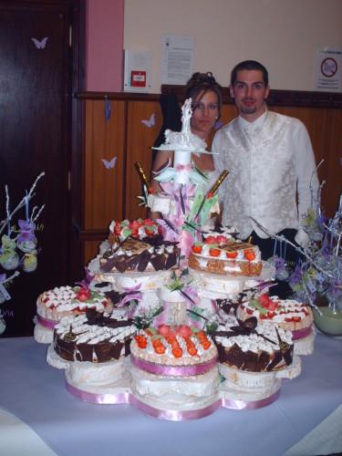 gateau mariage sur presentoir