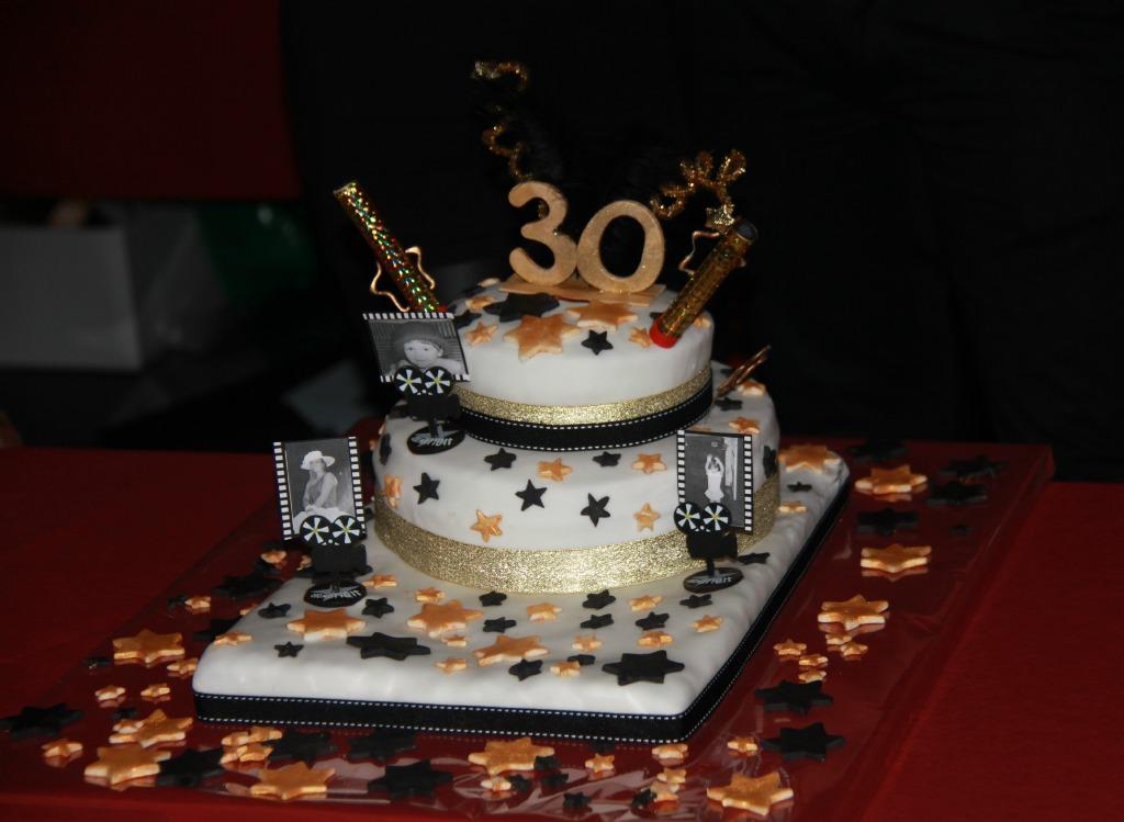 piece montee anniversaire 30 ans