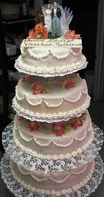 Piece Montee Mariage 2 Etages Le Specialiste Des Desserts