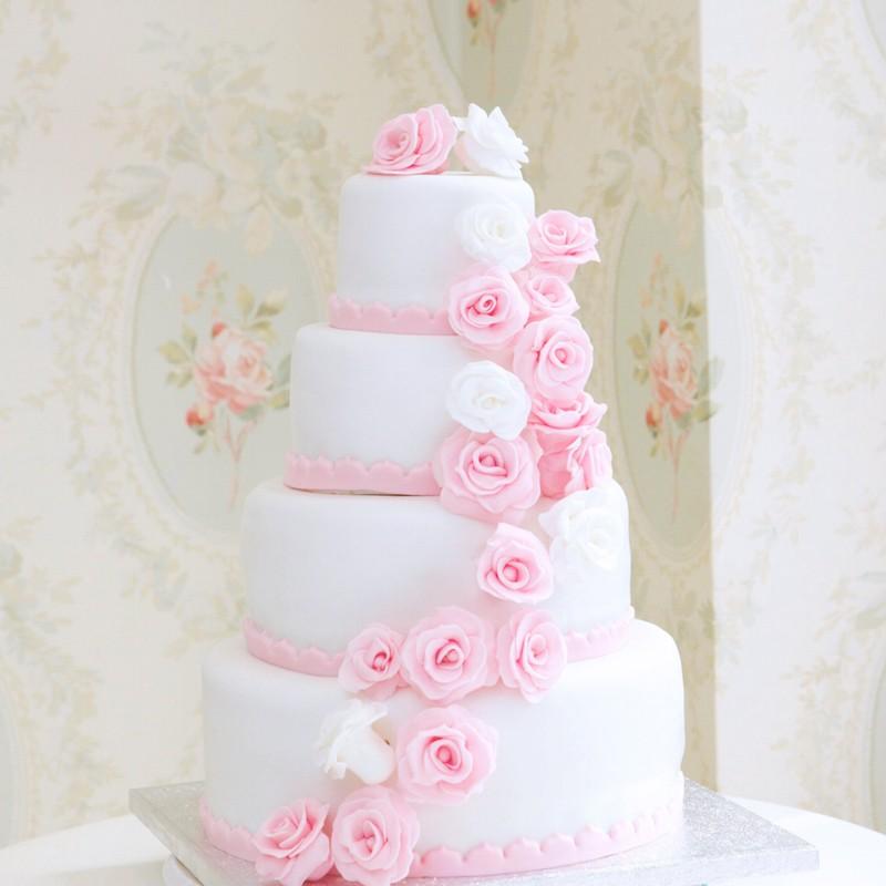 Piece Montee Rose Le Specialiste Des Desserts De Mariage